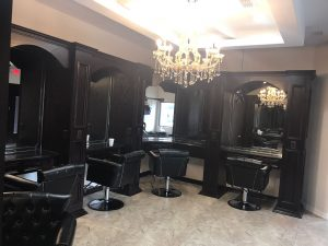 nenas-beauty-salon-with-hair-dryers-from-the-ceiling-img_0202